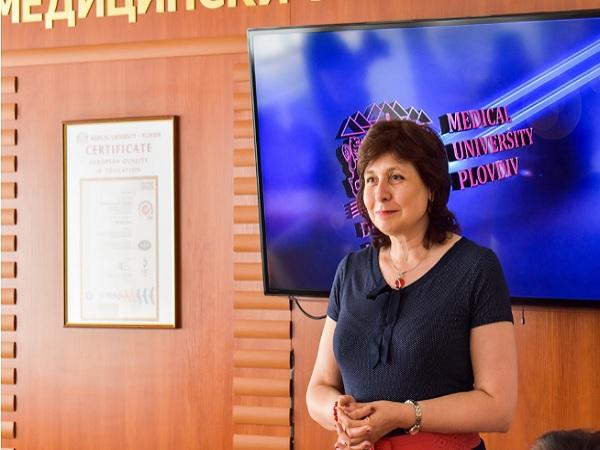 С уебинар отбелязаха Международния ден на сестринството в МУ-Пловдив