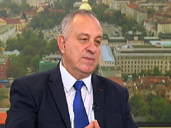 Д-р Златанов: Най-страдащи от COVID са хората над 60 години и затова те са с приоритет за ваксина