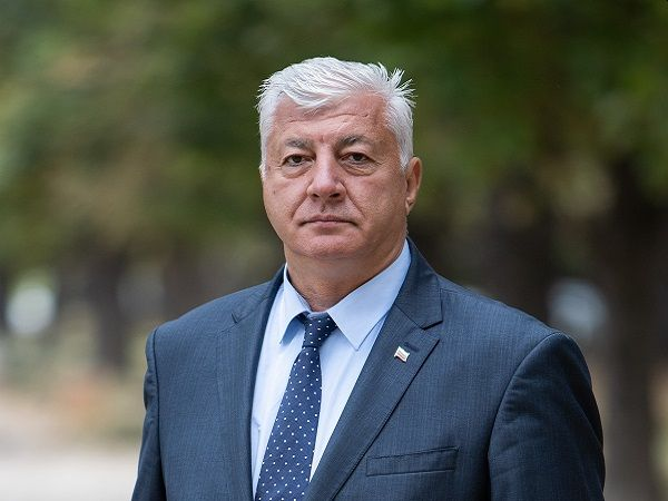 """Смениха успешно тазобедрена става на кмета на Пловдив в УМБАЛ """"Пълмед"""""""