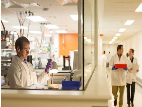 ЕК одобри нова терапия за остра миелоидна левкемия за пациенти, които не могат да понесат химиотерапия