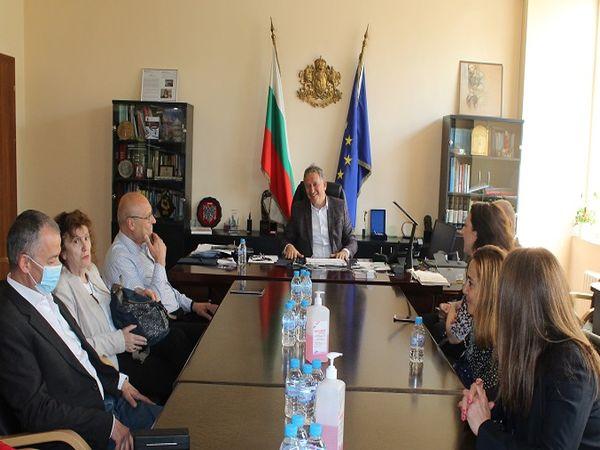 Обсъждат създаване на дирекция за правата на пациентите към МЗ
