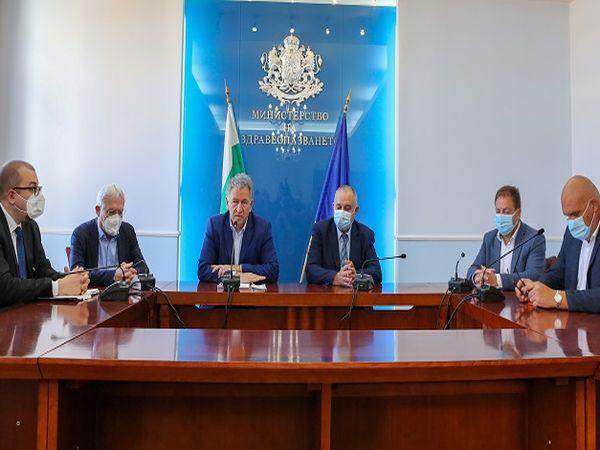 Стойчо Кацаров стартира промяна на здравния модел (Обновена)