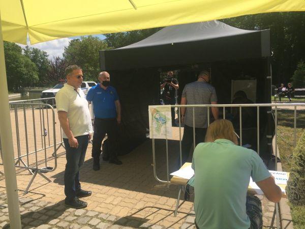 Над 1000 души се имунизираха в пунктовете на открито през уикенда в София