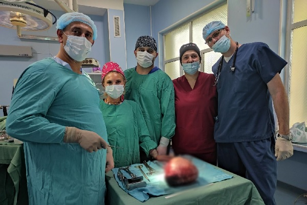 Хирурзи в МБАЛ-Пазарджик отстраниха 5-килограмов тумор