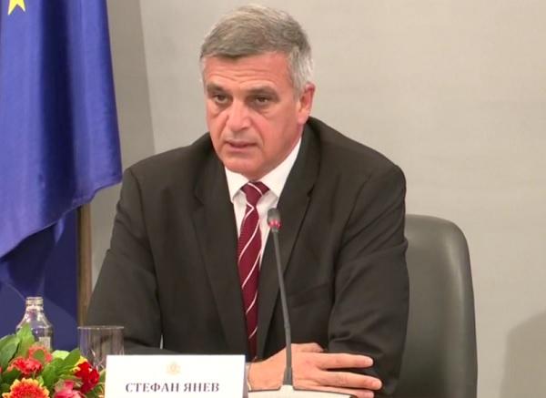 Стефан Янев: Задължителната ваксинация на отделни групи граничи с дискриминация