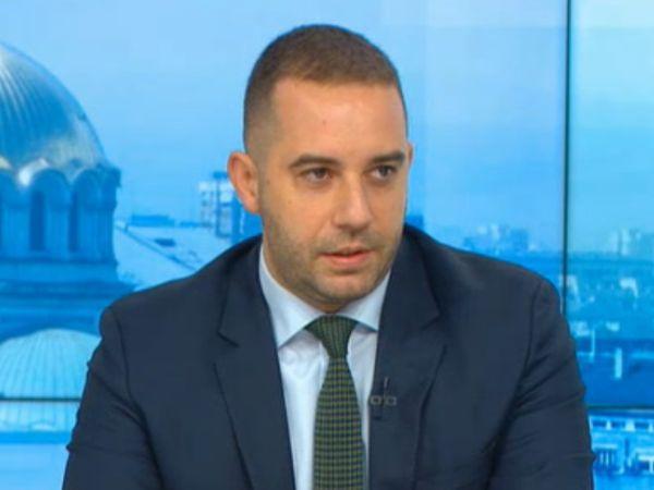 Богдан Кирилов: Хората трябва да са спокойни, имаме достатъчно ваксини
