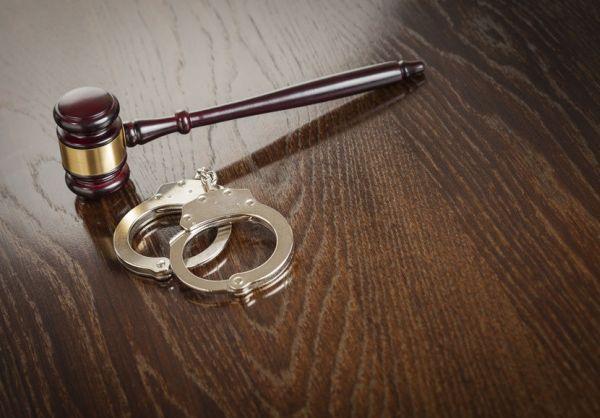 Задържаха за три денонощия мъж, ограбил лекар