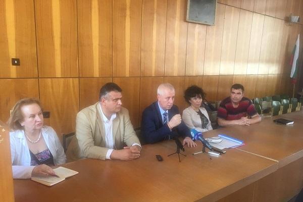 Вдигат запорите в болницата в Ловеч и плащат забавените заплати на персонала