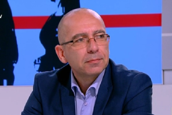 Д-р Стефан Константинов поема СБАЛО