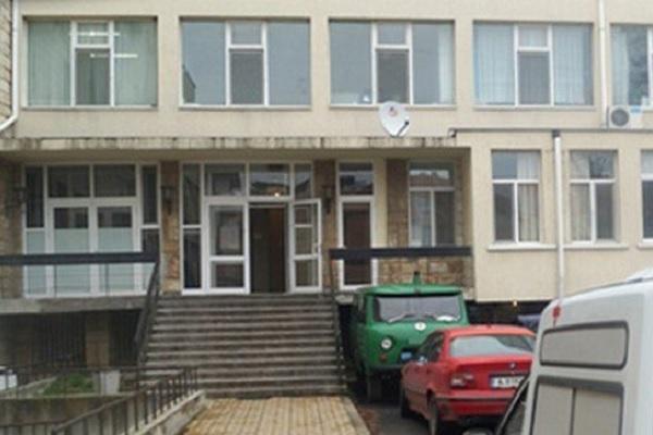 И болницата в Поморие в криза