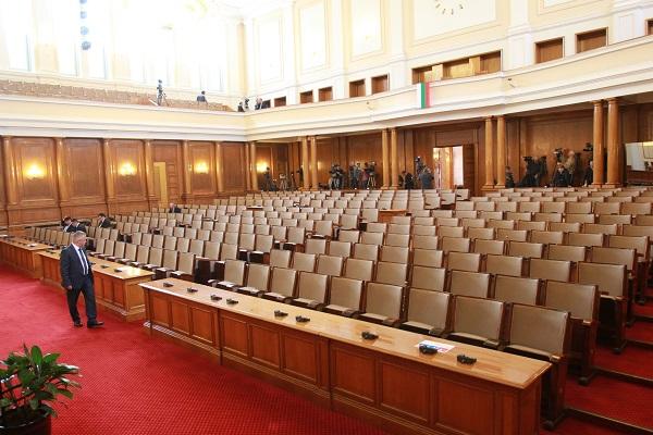 Прецедент: Парламентът прие единодушно промени в ЗЛЗ, предложени от опозицията