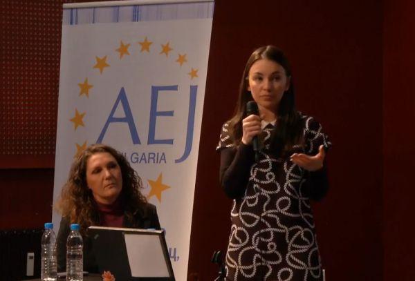 Адв. Мария Шаркова: Общественият интерес не бива да се бърка с общественото любопитство