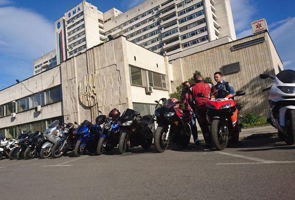 Мотористи на курс за първа помощ във ВМА