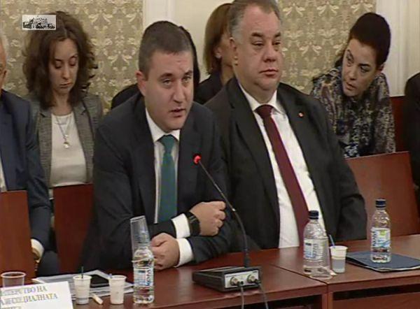 В здравеопазването има много неефективност, отново заяви Владислав Горанов