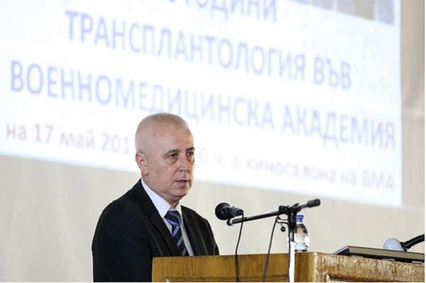 Проф. Николай Петров се върна на работа във ВМА