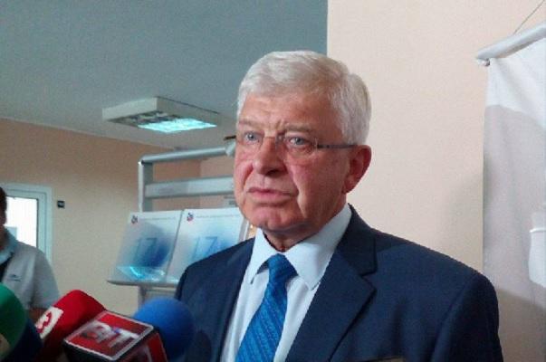 """Министър Ананиев: Малка част от лекарите в """"Пирогов"""" са излезли днес на протест"""