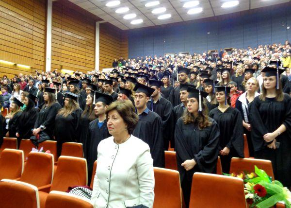 Млади хора, останете в България – камъкът си тежи на мястото