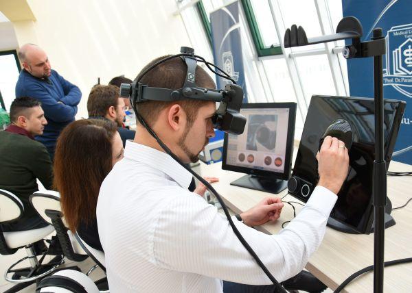 Започва обучение на специализанти по очни болести със симулатори в МУ-Варна