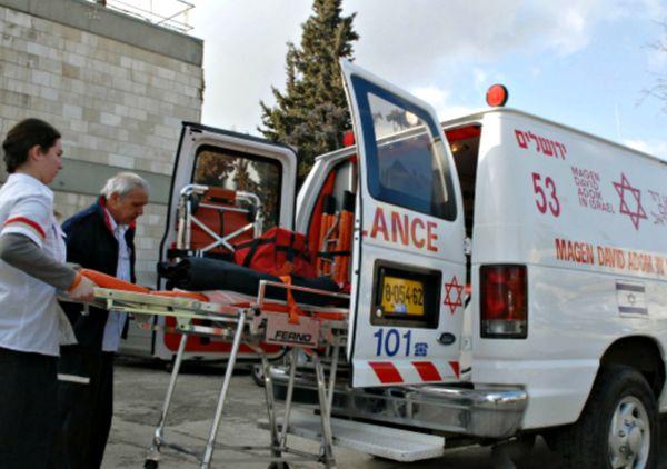 Мъж със забит в сърцето нож спасен благодарение на организацията на израелската Спешна помощ