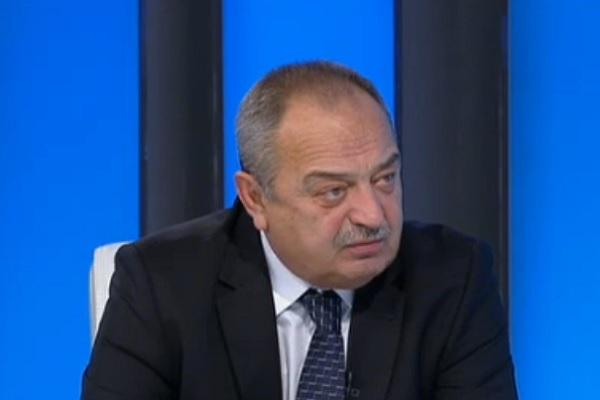 Д-р Грозев: Следващите, които ще започнат да падат, са областните болници