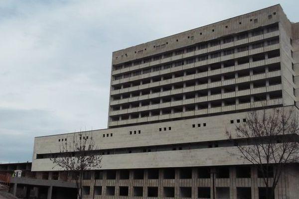 Подновяват строителството на болницата в Ямбол, започнато през 1979 г.