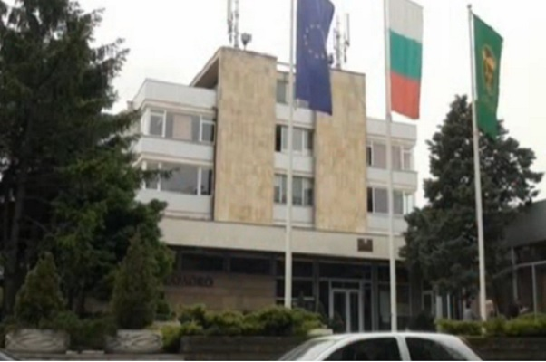 Започна ремонтът на болницата в Карлово