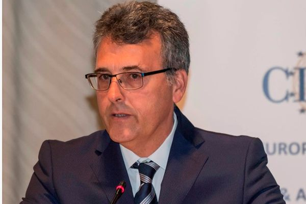 Световноизвестен фармаколог гостува на МУ-Варна