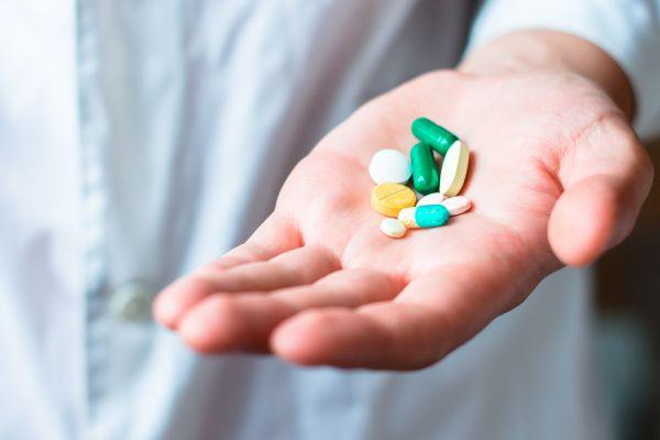 Няма да се правят обществени поръчки за лекарства без алтернатива