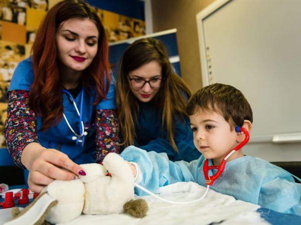 """Кампанията """"Болница за плюшени мечета"""" се проведе за осми пореден път във Варна"""