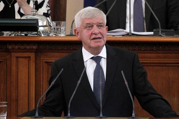 Министър Ананиев: Нови линейки ще има още тази година