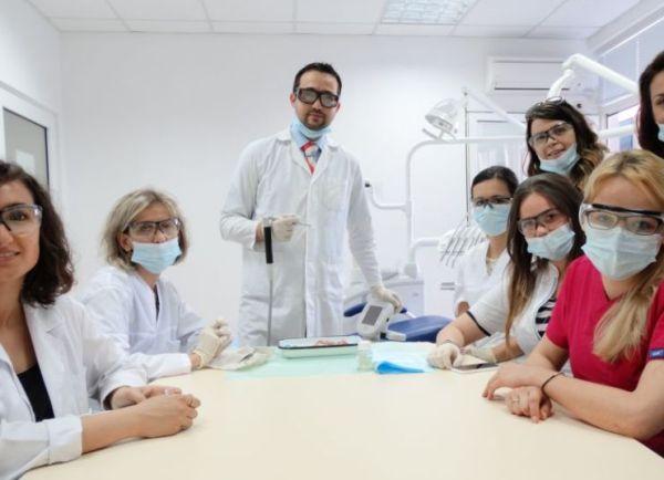 Дентална лазерна академия се провежда във Факултета по дентална медицина в Пловдив