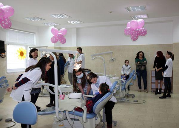 Детски усмивки и здрави зъбки във Факултета по дентална медицина при МУ – Пловдив