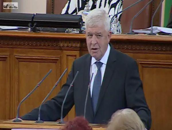 Ананиев - третият най-изслушван министър в парламента