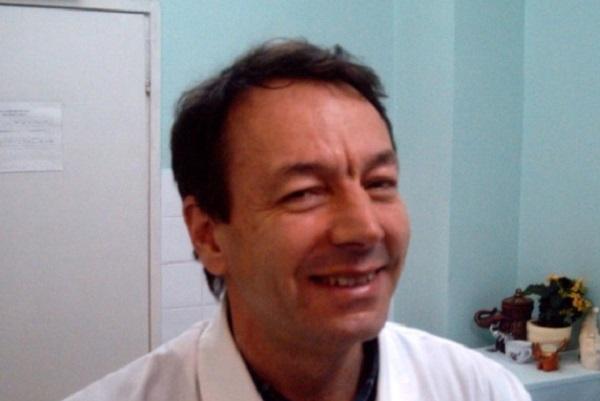 """Д-р Матей Попов от МБАЛ Поморие - победител в  инициативата """"Достойните лекари"""" 2018"""