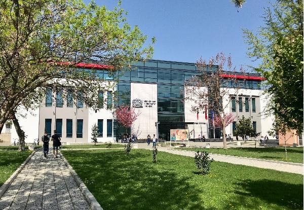 90 фармацевти се дипломират в МУ-Пловдив