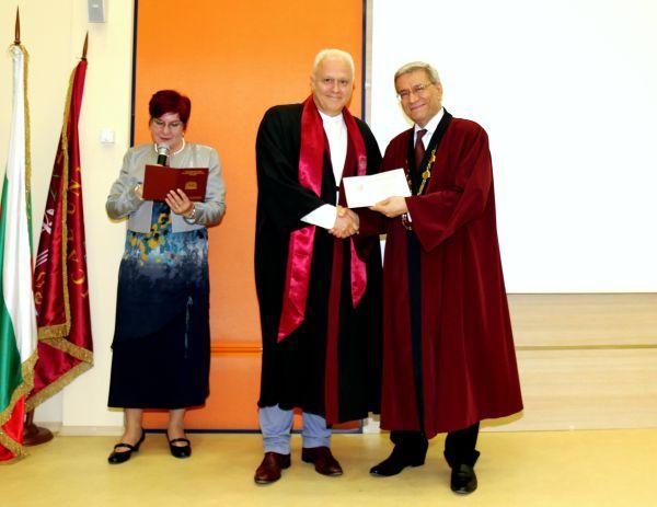 115 специализанти получиха своите свидетелства на церемония в МУ-Пловдив