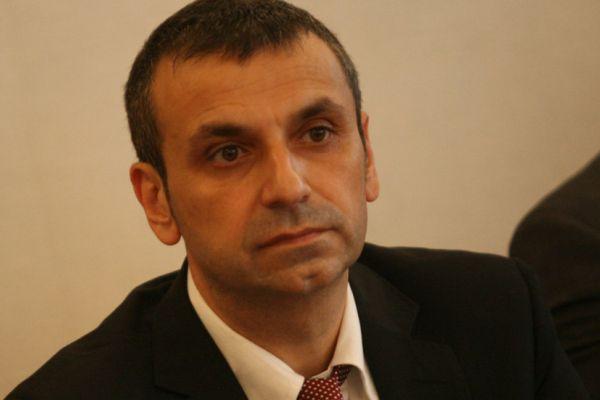 Осъдиха д-р Валентин Павлов на 3 години лишаване от свобода условно