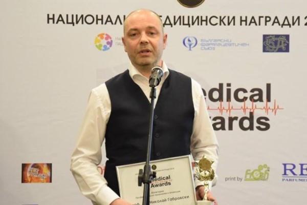 Проф. Николай Габровски:  В операционната никой не може да ти държи ръцете
