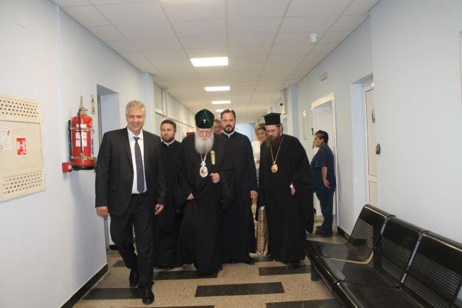 """""""Пирогов"""" получи нов апарат като дарение от Софийската света митрополия"""