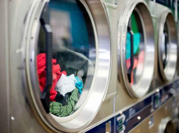Лечебните заведения ще перат прането си в отделен вид обществени перални