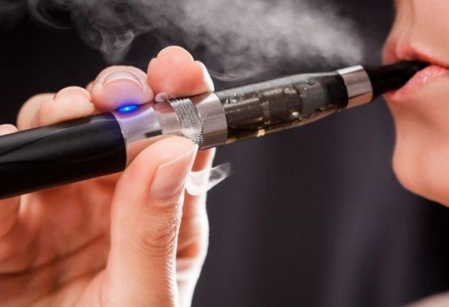 Британската комисия по наука и технологии потвърждава намалената вреда от електронните цигари и продуктите с нагряване на тютюн