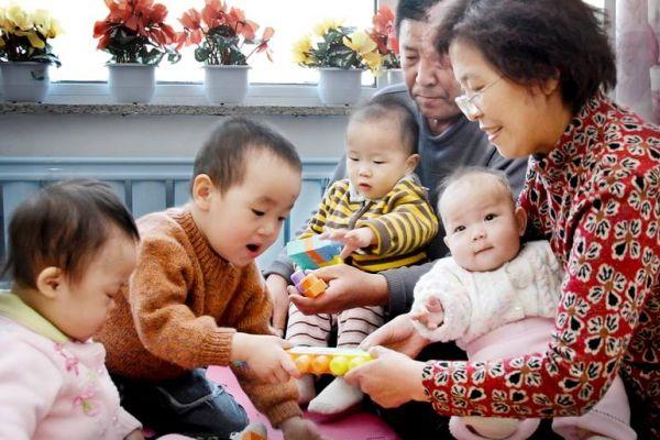 Китай може да отмени 40-годишните ограничения на раждаемостта
