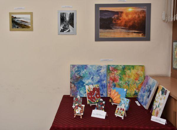 13 автори представиха творбите си в изложбата на УМБАЛ-Пловдив за 6 септември