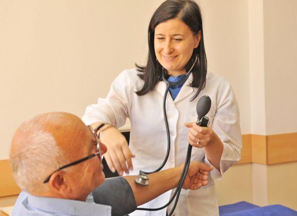 250 души прегледани безплатно в Сатовча от специалисти на ВМА