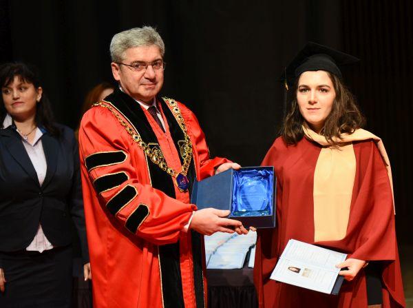 Дипломираха се 301 здравни специалисти от  ФОЗ на МУ-Варна