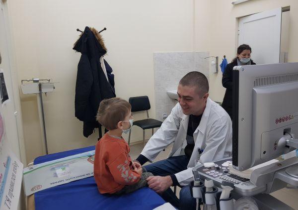 """375 деца прегледаха специалисти от """"Пирогов"""" във Видин"""
