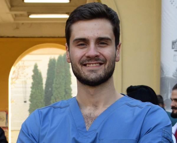 """Д-р Иван-Асен Шишманов от """"Пирогов"""" беше награден от SPAF Academy"""