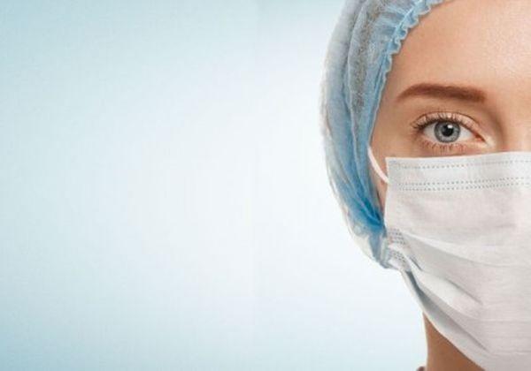 Професионалисти по здравни грижи представят професиите си пред ученици