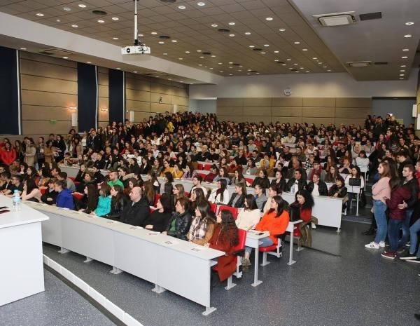 Хранене и развитие на децата обсъждат на научна конференция в Пловдив