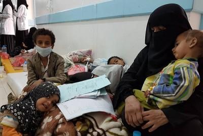 Половин милион души достигна броят на болните от холера в Йемен